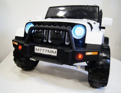 Электромобиль RiverToys Jeep M777MM-WHITE-4*4
